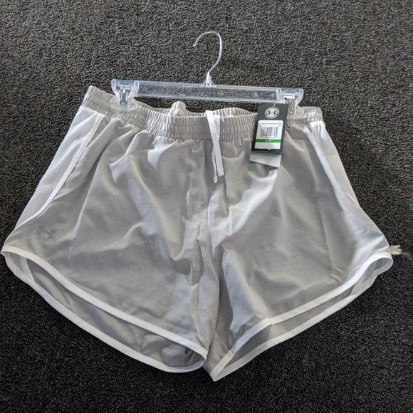 Calvin Klein Pants - Under Armour Women's Fly By Shorts Large